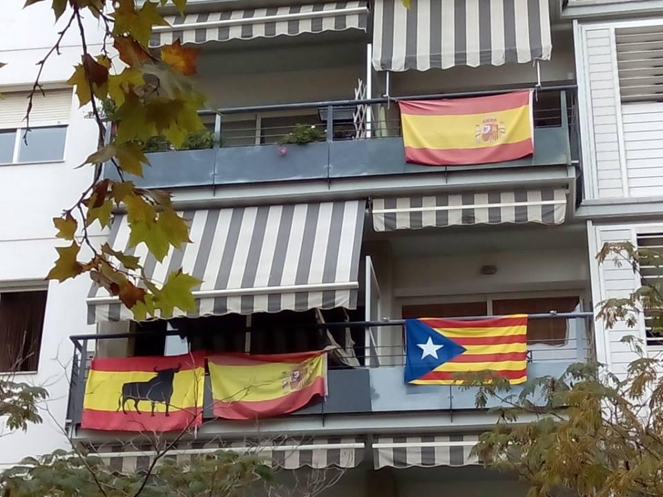 balcones-banderas
